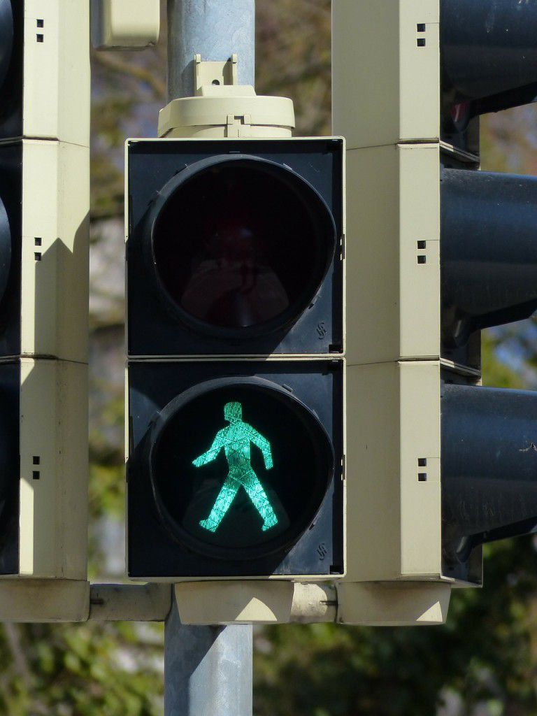 traffic-lights-99907_1280