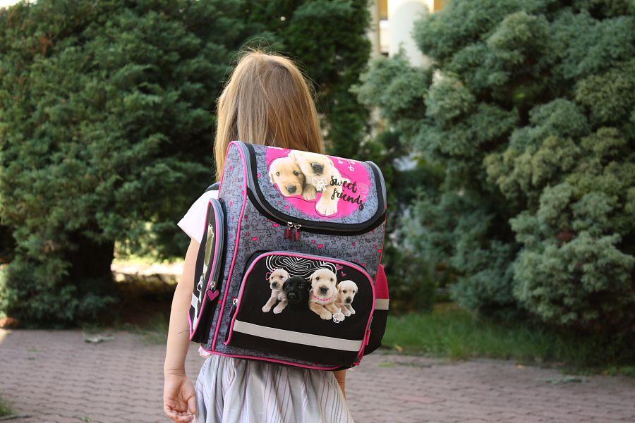 0ea1776c336af Wyprawka szkolna - Jak wybrać plecak szkolny  - Juniorowo